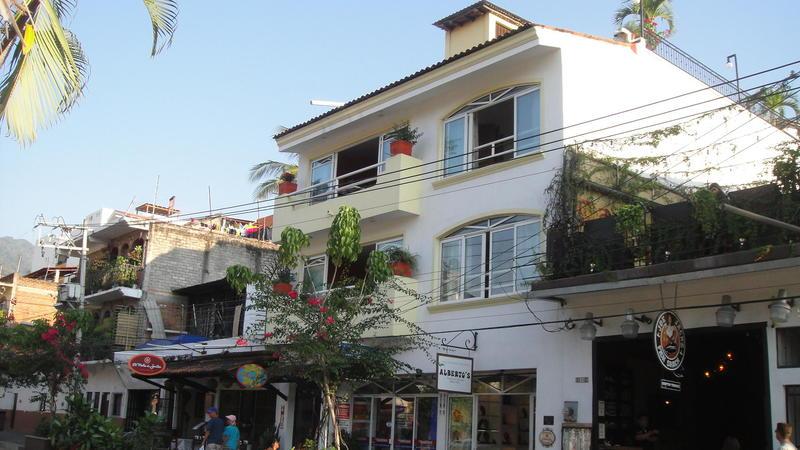 216 Basilio Badillo, Lothar's Place, Puerto Vallarta, Ja