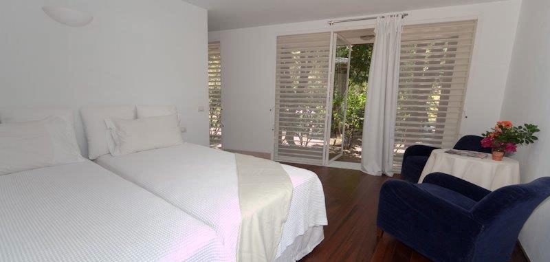 Antigua villa 16 23
