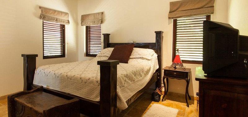 Antigua villa 25 19