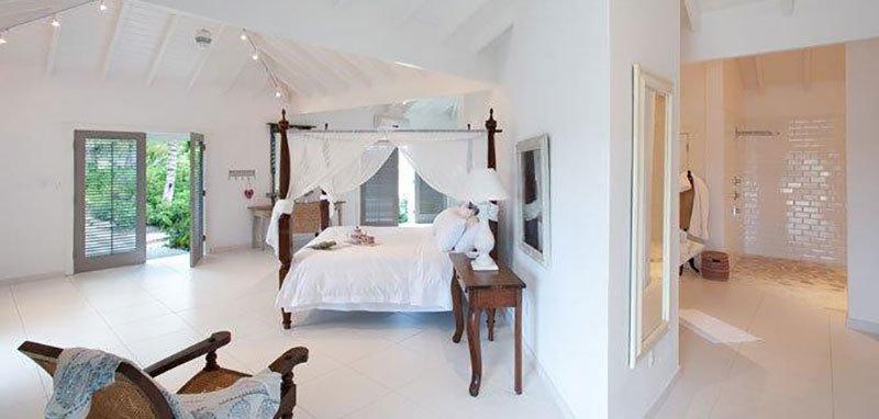 Antigua villa 26 08