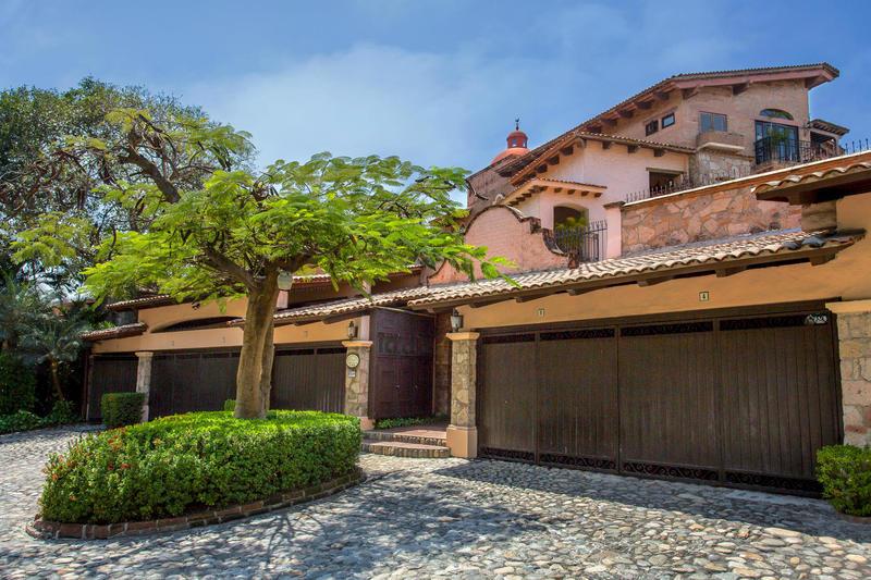 Villas Banderas 1