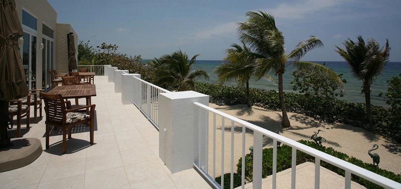Villa Caymanas Villa Rental