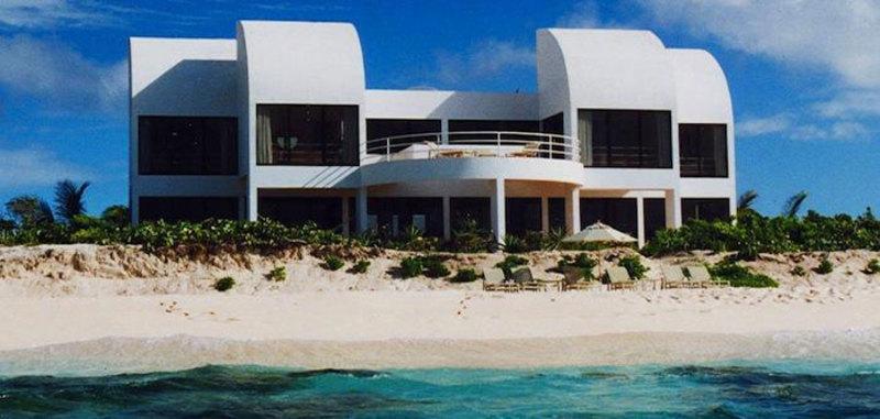 Anguilla grand villa6 07