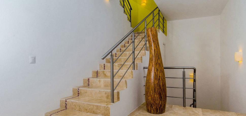 Casa mismaloya stairs 03