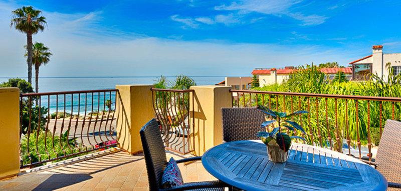 Penthouse Over Windansea Villa Rental