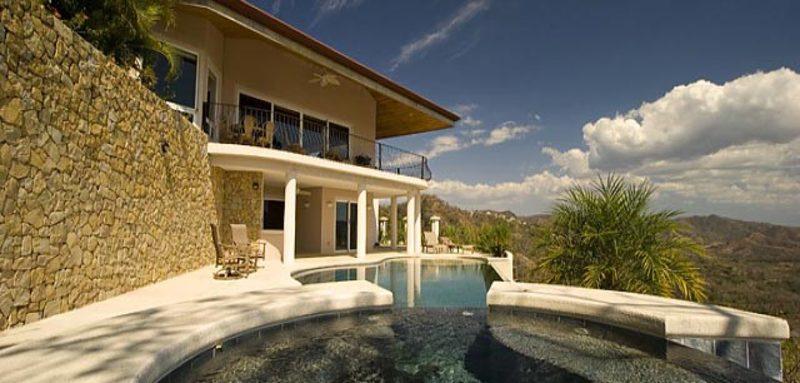 Casa Thu Villa Rental